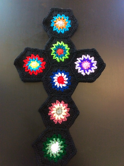 crocheted-cross