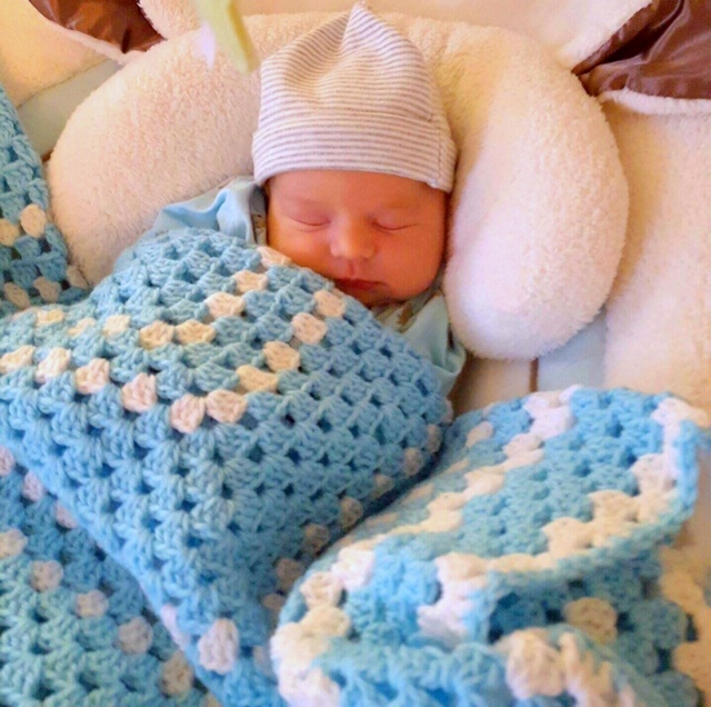 New Visions Clients Knit forBabies